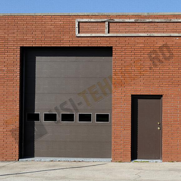 usa sectionala industriala cu un panel vitrat