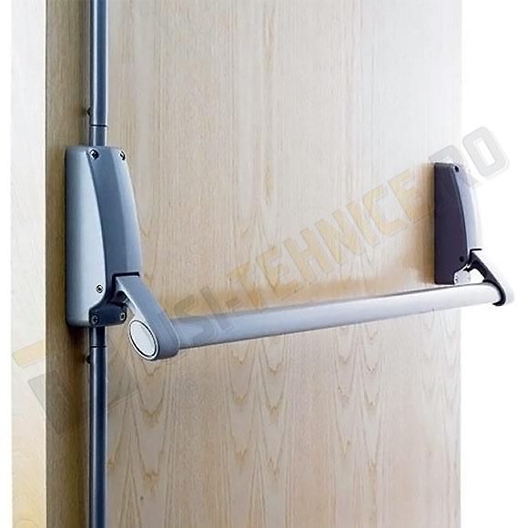 Sistem antipanica montat pe usa din lemn
